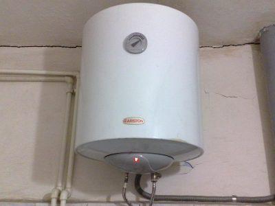 Накопительный водонагреватель в квартире