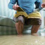 Случайно затопили соседи сверху: что делать и куда обращаться