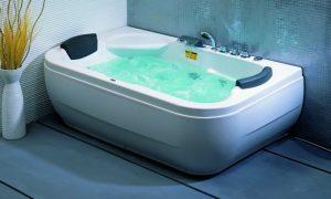 Заполнение ванны водой